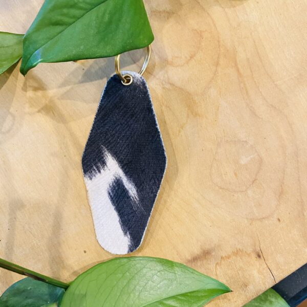 """""""Plant Mama"""" Cowhide Pattern Leather & Velvet Keychain"""